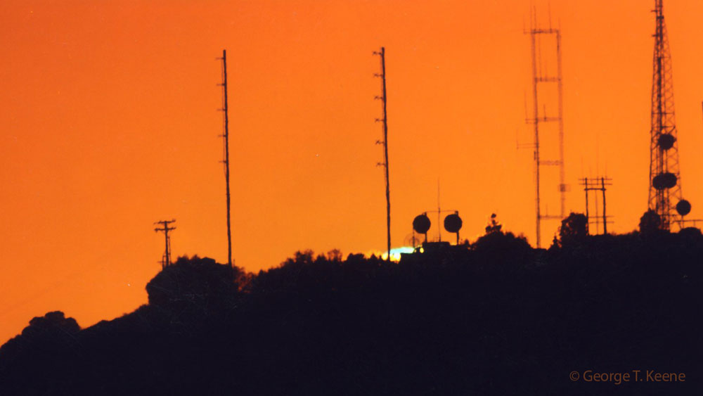 Green Flash of the Sun at 4.3 Miles with the Altadena CO, by George T Keene.